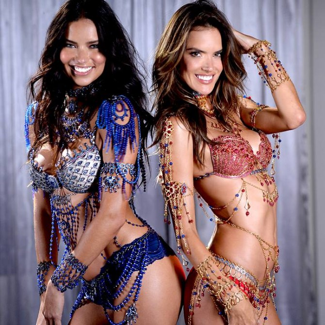 Adriana Lima et Alessandra Ambrosio pour Victoria's Secret.