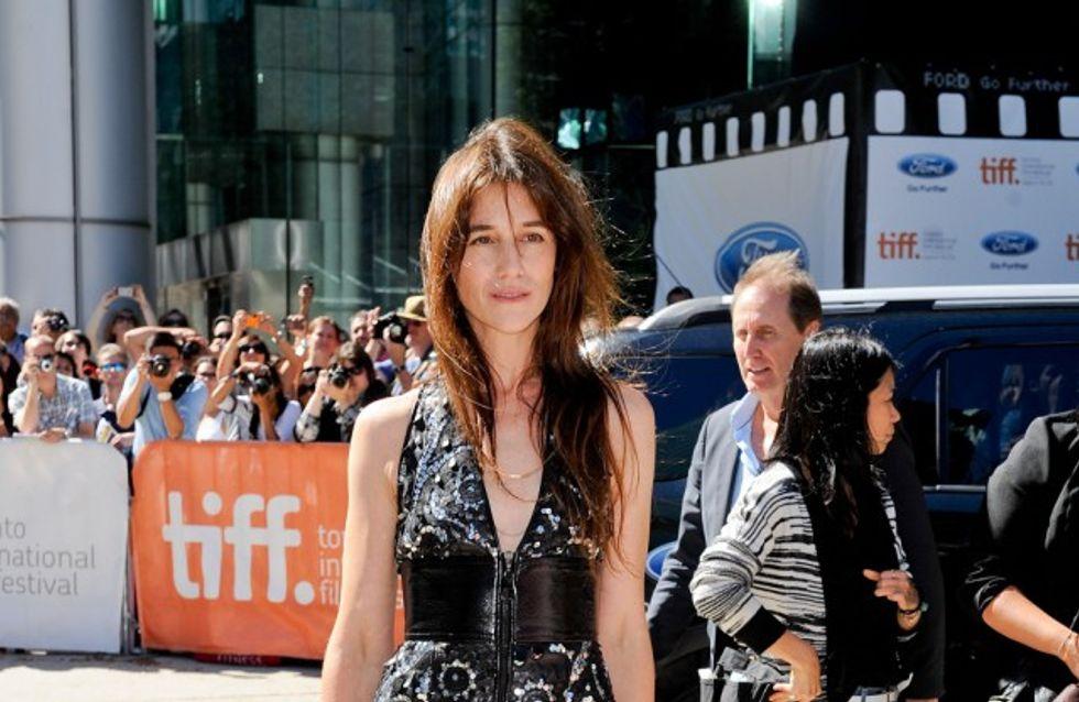 Charlotte Gainsbourg et son look chic en cuir