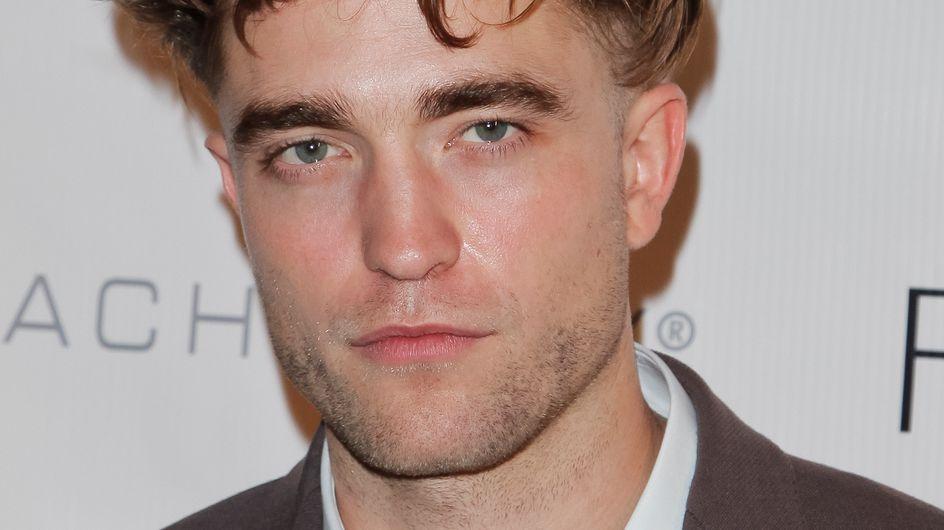 """Robert Pattinson ose le """"ticket de métro"""" (Photos)"""