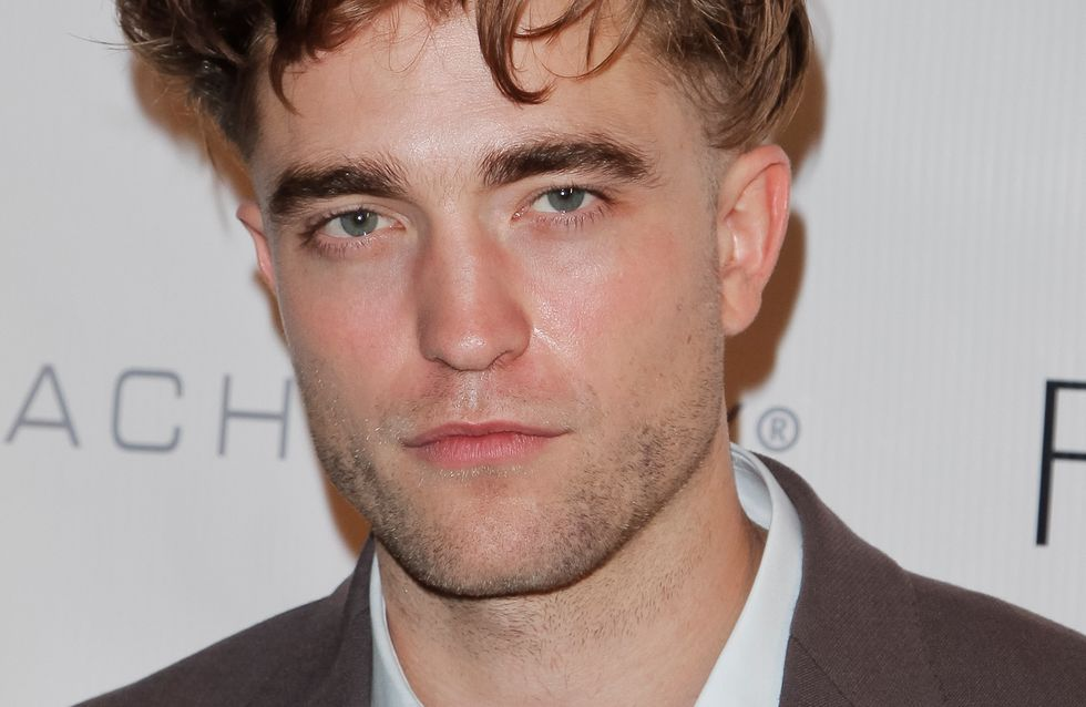 Robert Pattinson ose le ticket de métro (Photos)