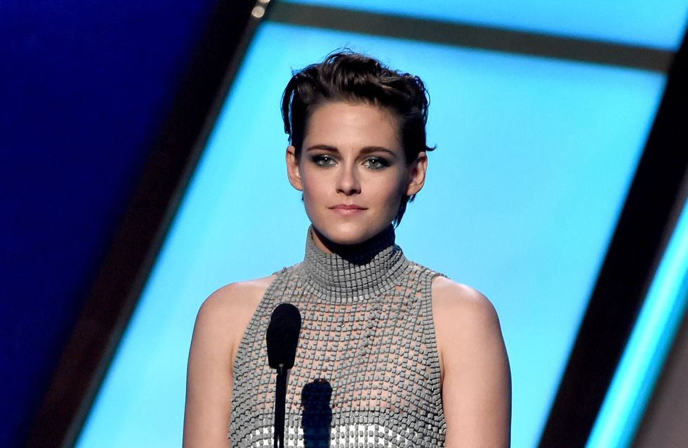 Kristen Stewart victime d'un lâché de seins au Hollywood Film Awards (Photo)