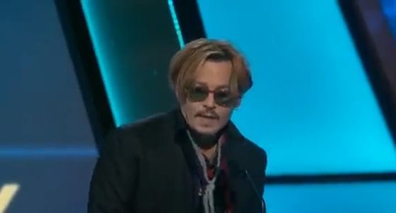 Johnny Depp sur la scène des Hollywood Film Awards