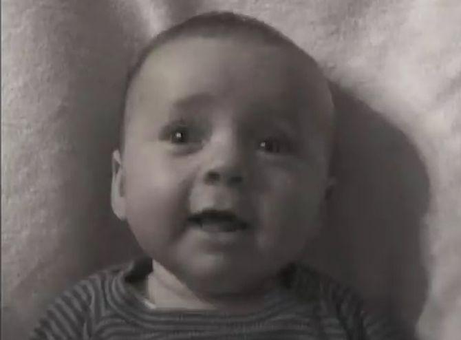 Un père filme sa fille 15 secondes par semaine pendant 14 ans