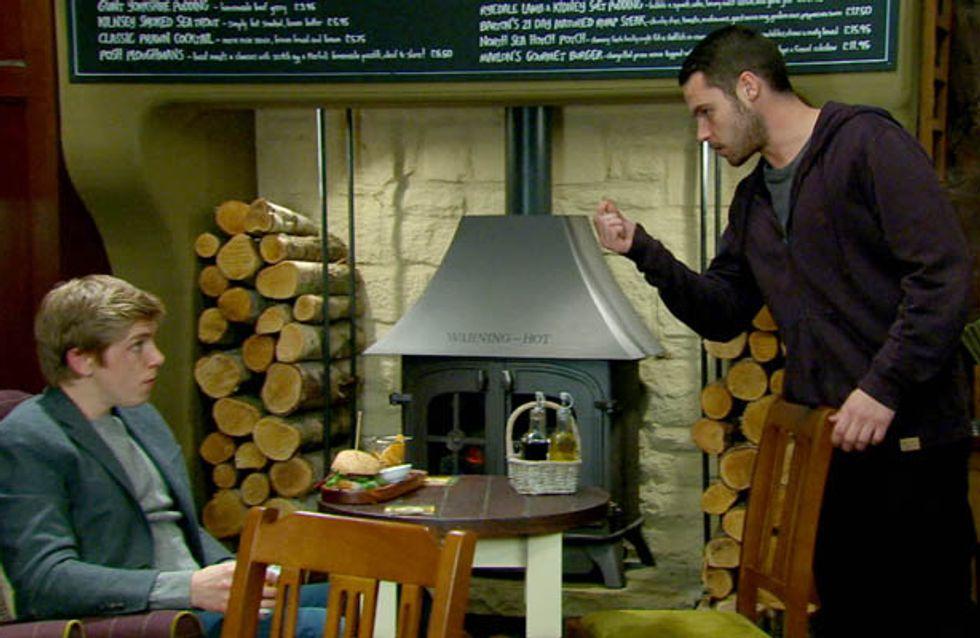 Emmerdale 24/11 – Robert wants Chrissie's ring back