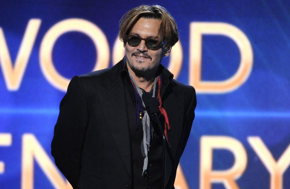 Johnny Depp aparece borracho en la gala de los Hollywood Film Awards 2014