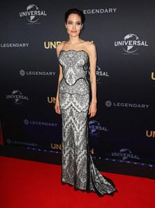 Angelina Jolie en Gucci à la première australienne d'Invincible