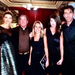 Martina Colombari insieme alla coppia Buffon-D'Amico