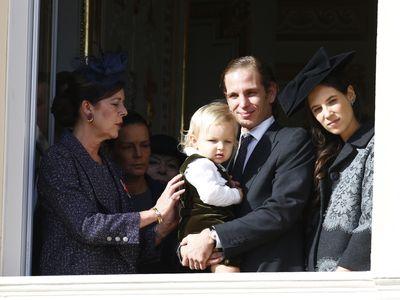 Il piccolo Sasha con nonna Carolina e mamma e papà