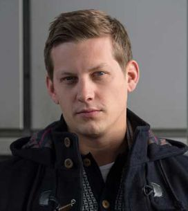Hollyoaks 05/12 - John Paul and Lockie struggle to keep their hands off each other