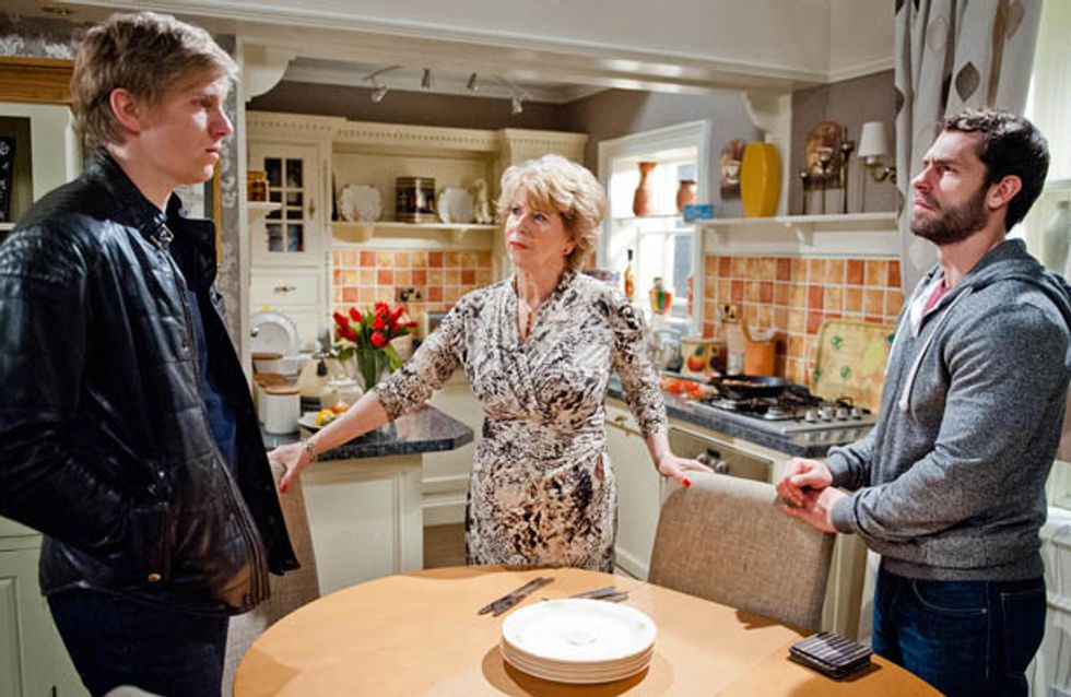 Emmerdale 03/12 – Cain uses his feud with Rakesh to help Charity