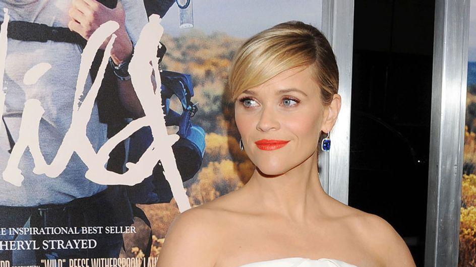 Reese Witherspoon defiende a Renée Zellweger de las críticas a su nuevo look