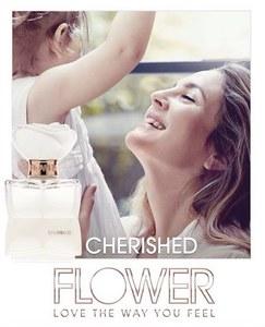 Drew Barrymore et sa fille Olive pour son parfum