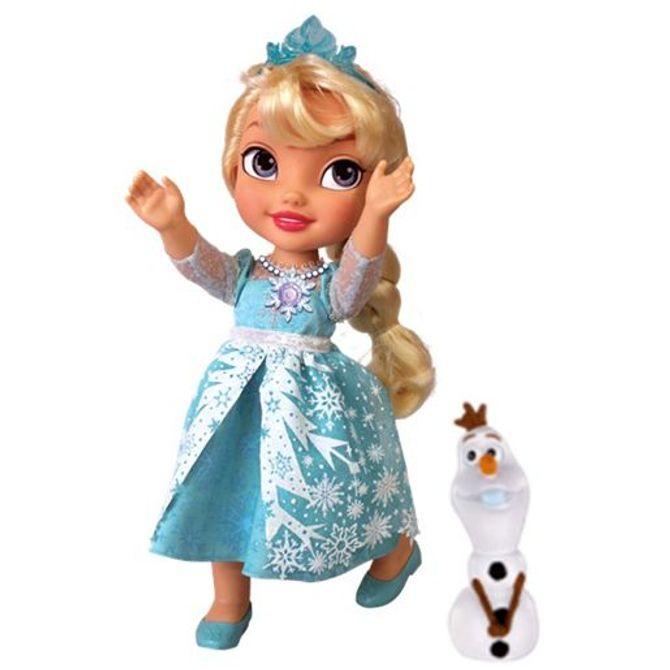 Tout le monde veut la poupée chantante de la Reine des Neiges