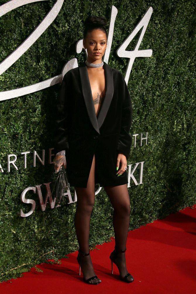 Rihanna, en Stella McCartney, aux British Fashion Awards 2014