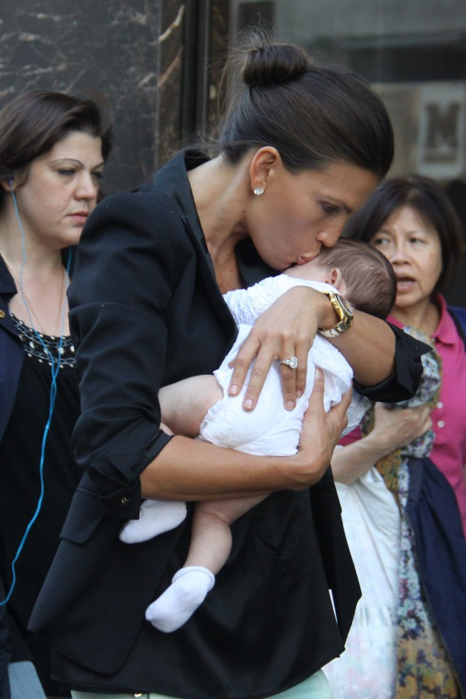 Claudia Galanti con la piccola Indila, scomparsa prematuramente la notte scorsa