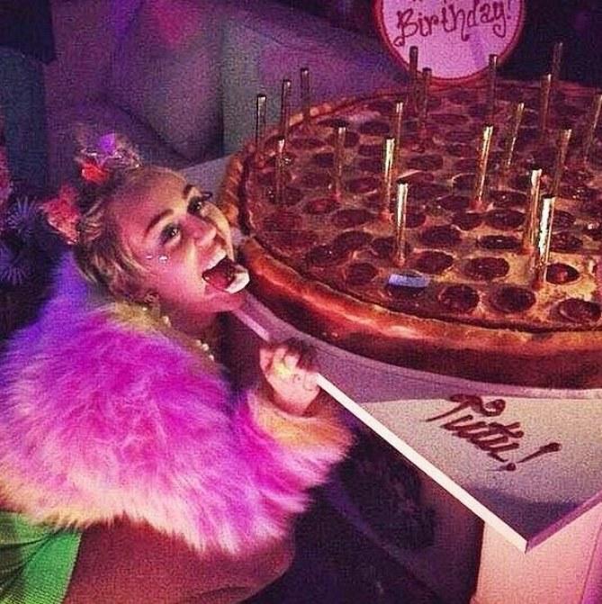 Miley Cyrus pendant sa fête d'anniversaire