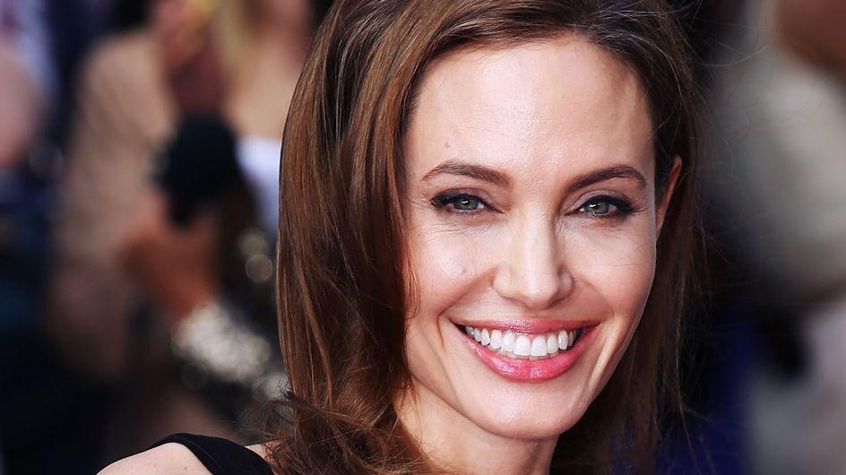 Angelina Jolie réconforte une fan en pleine crise de panique