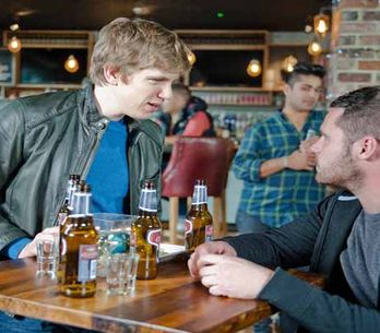 Eastenders 15/12 – Ronnie stops Phil from hurting Nick