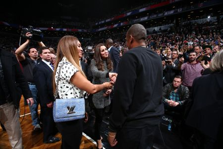 Beyoncé et Jay Z saluant Kate et William
