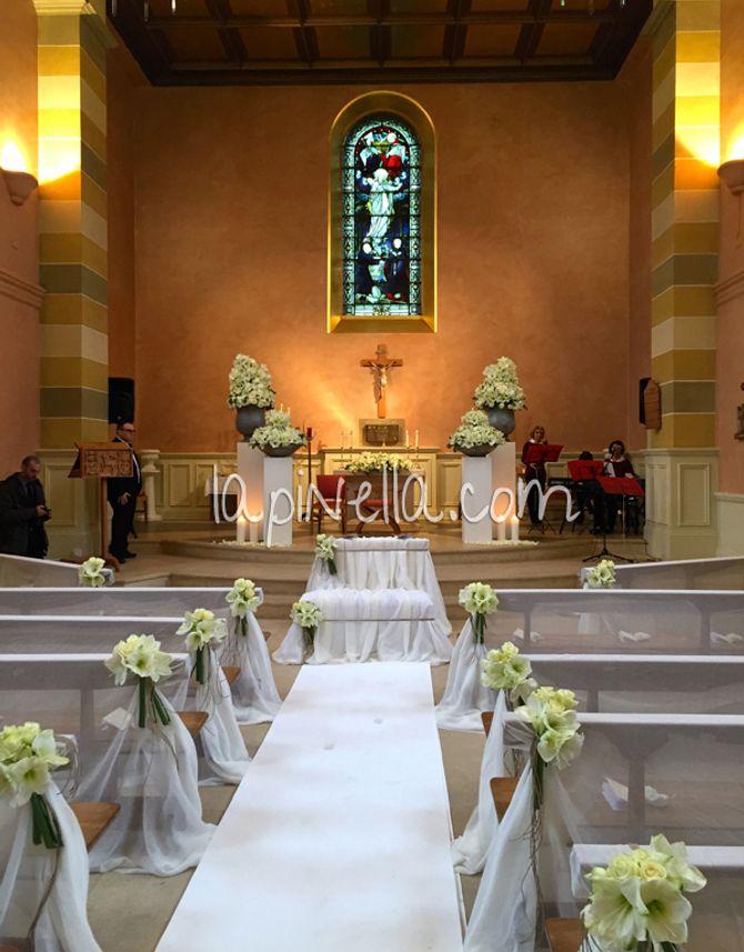 Un'immagine della Chiesa in cui si è sposata Alessia