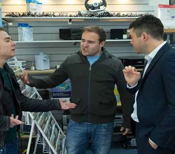 Coronation Street 22/12 – Tony and Tracy put their deal to bed