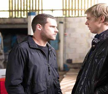 Emmerdale 26/12 - Jai spots the man who sold him Archie