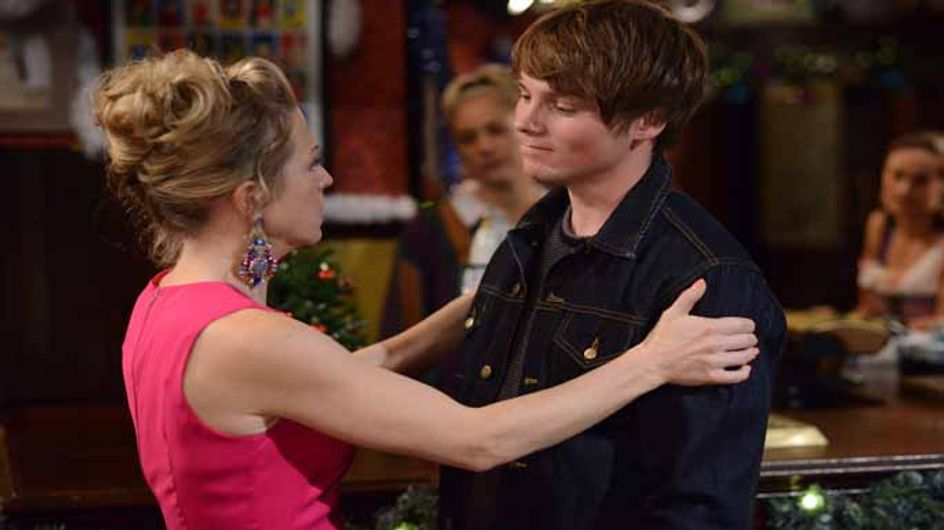 Eastenders 23/12 – Stacey urges Linda to tell Mick the truth