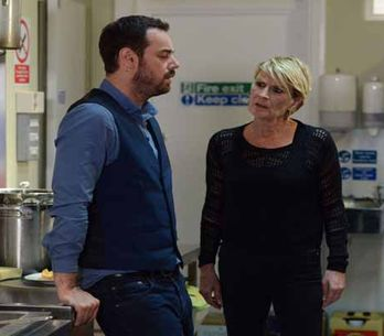 Eastenders 25/12 – It's Christmas Day in Albert Square!