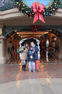 Aufeminin célèbre le Noël Solidaire à Disneyland Paris