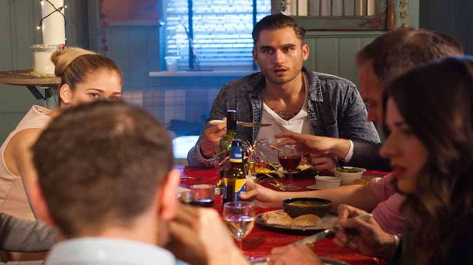 Hollyoaks 31/12 - Frank and Robbie offer to help Nancy
