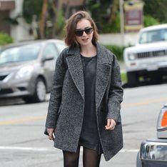 On veut un manteau oversized comme celui de Lily Collins