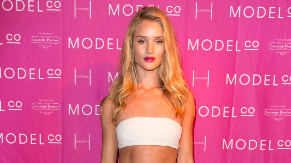 Rosie Huntington-Whiteley abandonne ses longueurs (Photo)