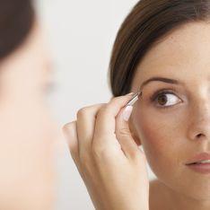 Augenbrauen richtig zupfen: Praktische Tipps für perfekt geformte Brauen