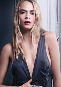 Cara Delevingne pour Yves Saint Laurent