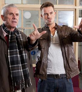Hollyoaks 12/01 - Robbie goes off the rails