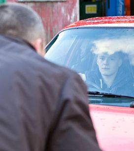Hollyoaks 13/01 - Trevor offers Robbie a job