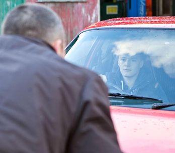 Hollyoaks 13/01 - Trevor offers Robbie a job