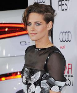 Kristen Stewart à la première de Alice.