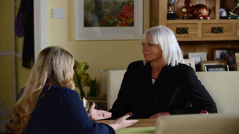 Eastenders 19/01 - Linda is determined to have one last day with her family