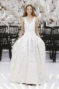 La robe jacquard en soie argent Dior