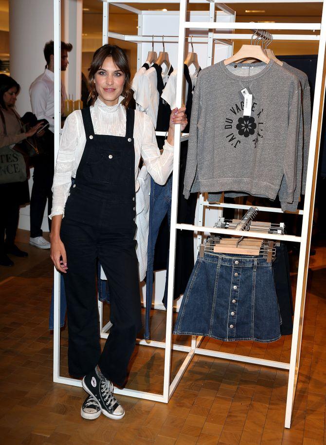 Alexa Chung présente sa collection en collaboration avec AG