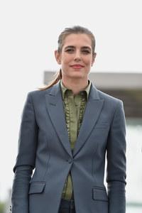 On copie le look cavalière de Charlotte Casiraghi