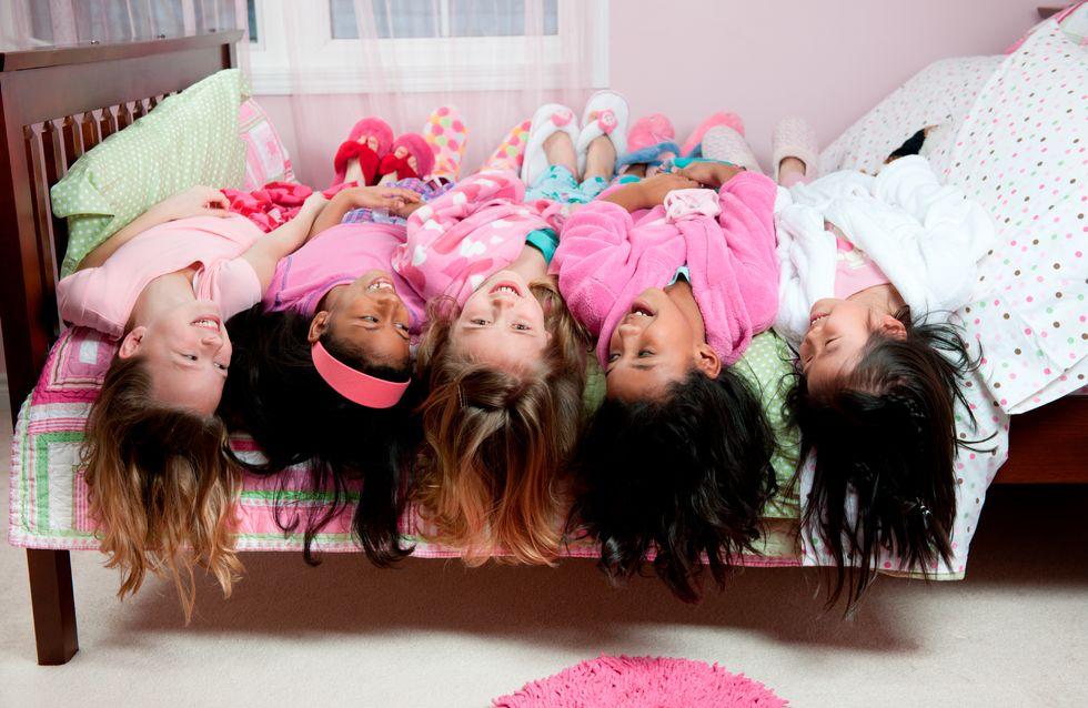 Quand la nuit tombe, les enfants s'amusent...en pyjama
