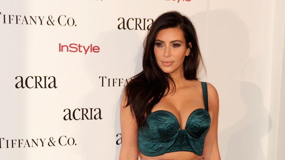 Kim Kardashian met sa généreuse poitrine à l'honneur pour son livre de selfies (Photo)