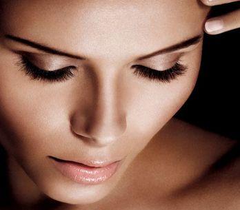 Tutto il benessere di un massaggio viso fai-da-te