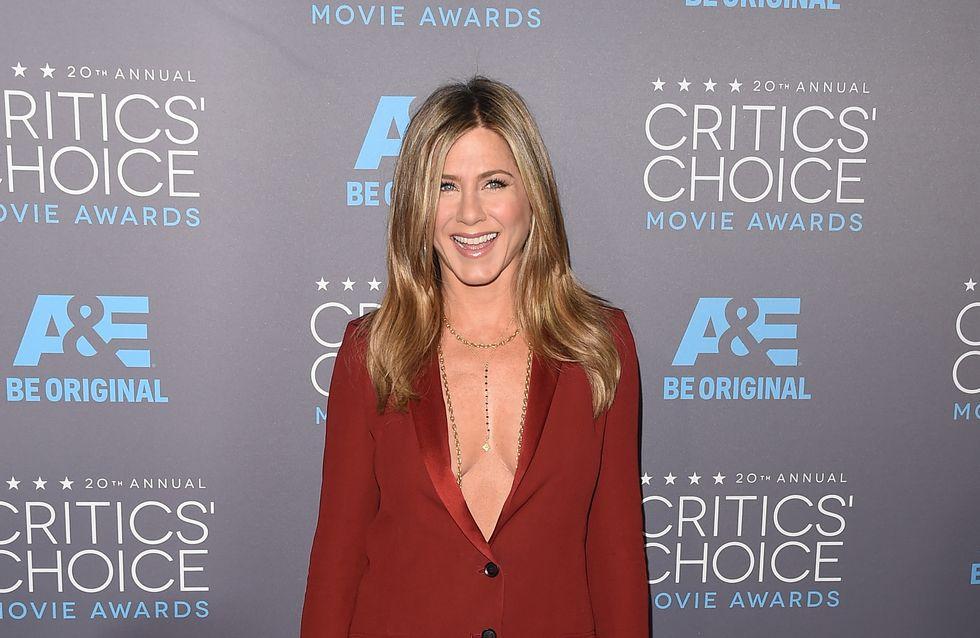 Jennifer Aniston défend Brad Pitt