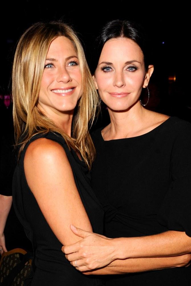 Jennifer Aniston & Courtney Cox, 2010