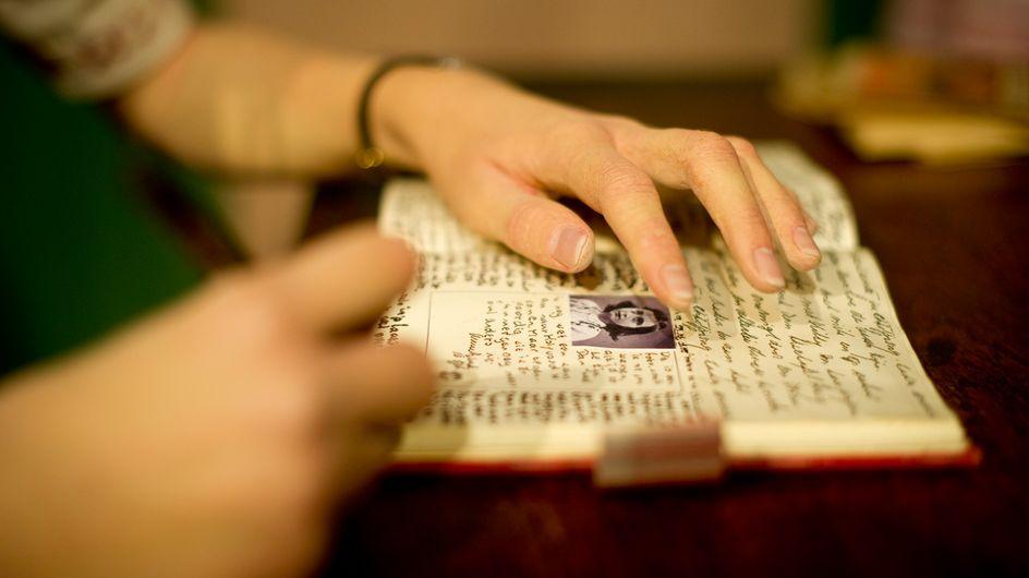 Da Primo Levi ad Anna Frank: le frasi più belle tratte dai libri che parlano della Shoah
