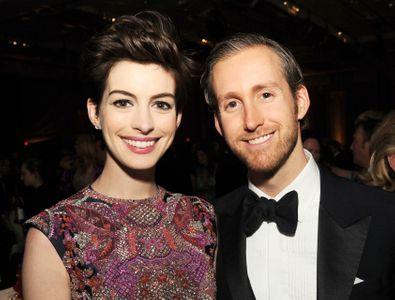 Anne Hathaway e Adam Schulman