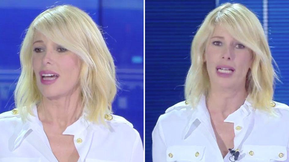 """""""Capelli giallo paglia"""": critiche acide sui social per l'hairstyle sfoggiato dalla Marcuzzi all'Isola"""